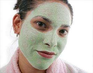Maska iz zelene gline